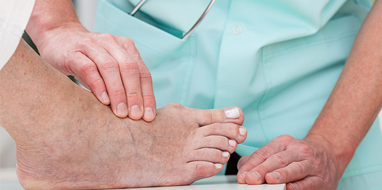 becoming a podiatric physician